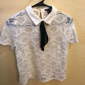 White lace collared top